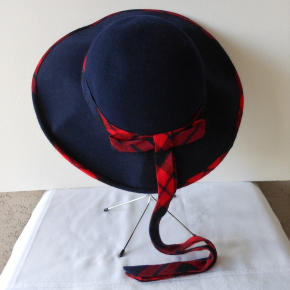 d58b8ce09ea97 Vintage Wide Brim Fall To Winter Hat Navy   Red. M 5b9d8e8b12cd4adefe00d52e